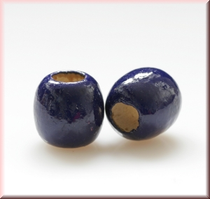 wood beads: dark blue