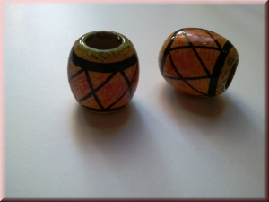 hand-painted wood bead: WBDPTD-368