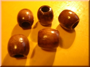 wood beads: brown
