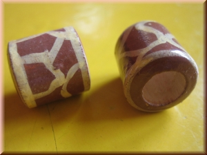painted wood bead - 'giraffe'