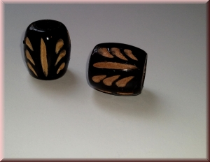 carved wood bead - 'black Massai' (WBDCRV-007)